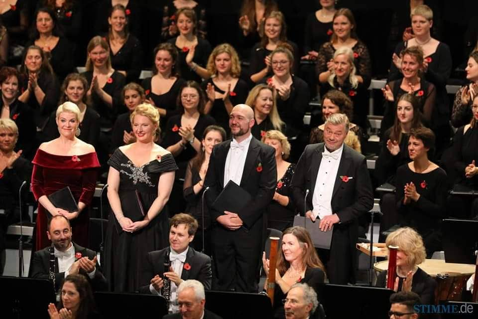Beethoven's IX. Symphonie- UNESCO World Orchestra